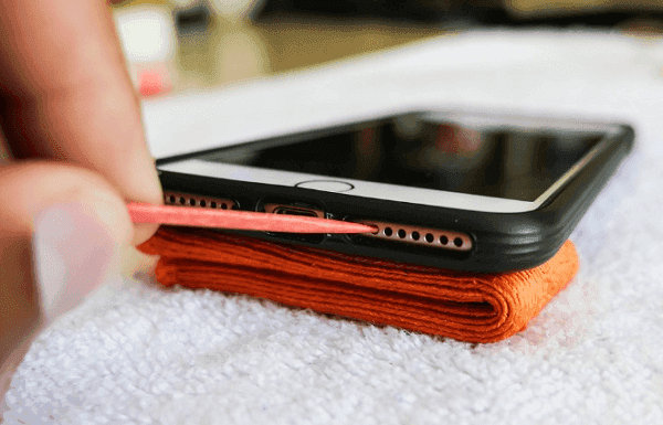 Clean iPhone Speaker Toothpick