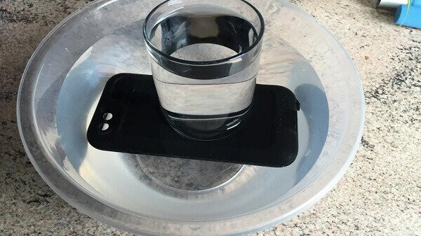 Soak iPhone Water